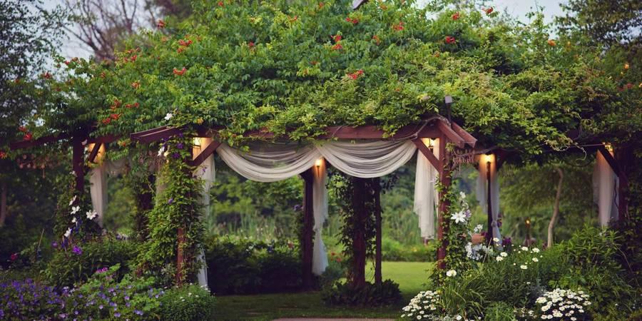 artistreEscapes Island Garden Venue wedding Kalamazoo
