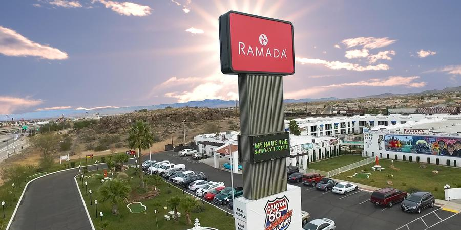 Ramada Canyon 66 Resort wedding Western Arizona