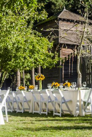 The Meadow at Fort Nisqually wedding Tacoma