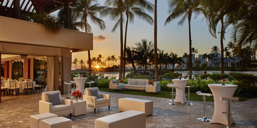Hilton Hawaiian Village Waikiki Beach Resort wedding Honolulu