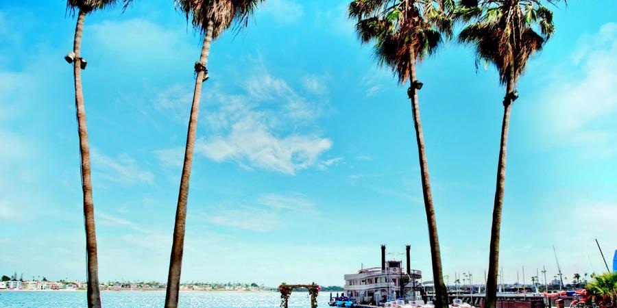 Catamaran Resort Hotel and Spa wedding San Diego