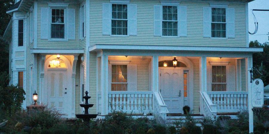 Tiffany Juliet House wedding Hartford