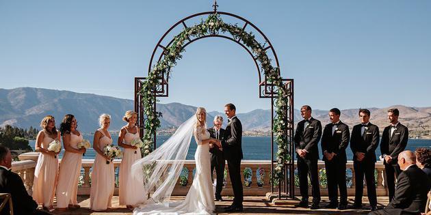 Siren Song Vineyard Estate and Winery wedding Seattle