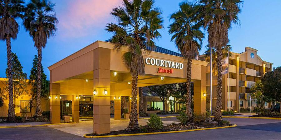 Courtyard Fairfield wedding Napa/Sonoma