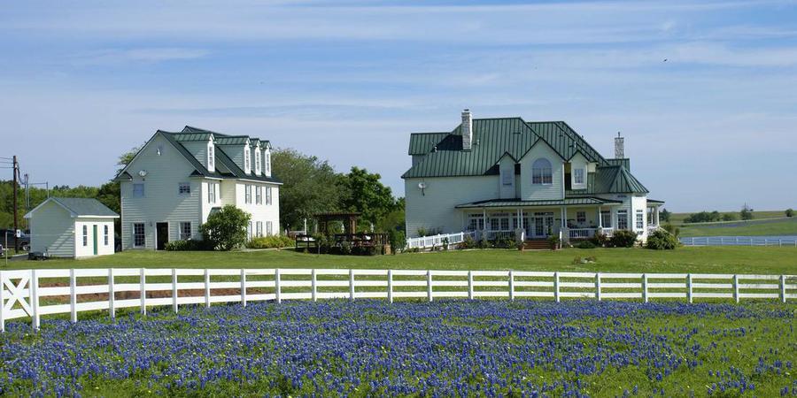 Lillian Farms Bed & Breakfast wedding Houston