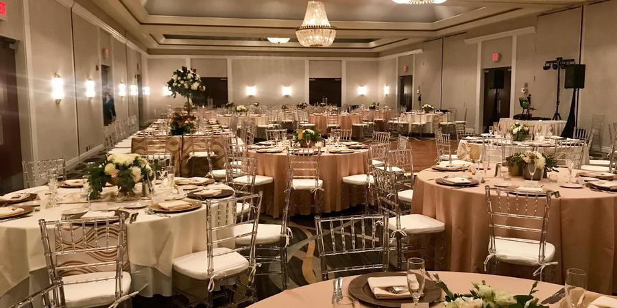 DoubleTree by Hilton Collinsville wedding Southern Illinois