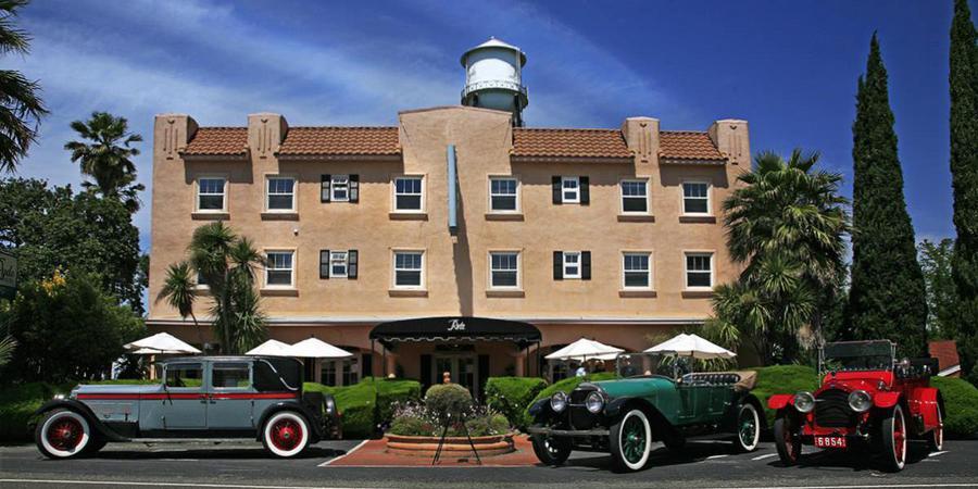 Ryde Hotel wedding Sacramento