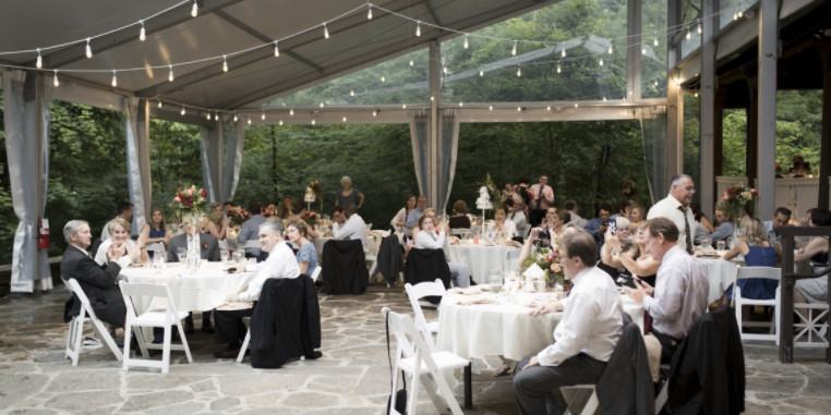 Krippendorf Lodge at Cincinnati Nature Center wedding Cincinnati