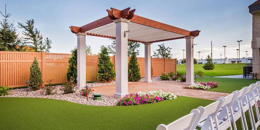 Comfort Suites Rock Garden wedding Green Bay