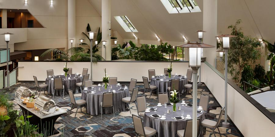 DoubleTree by Hilton Hotel Minneapolis - Park Place wedding Minnesota