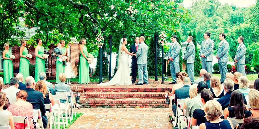 Historic Mankin Mansion Wedding Resort wedding Fredericksburg