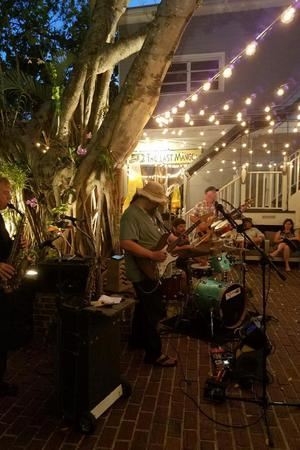 Mangoes Restaurant wedding Florida Keys