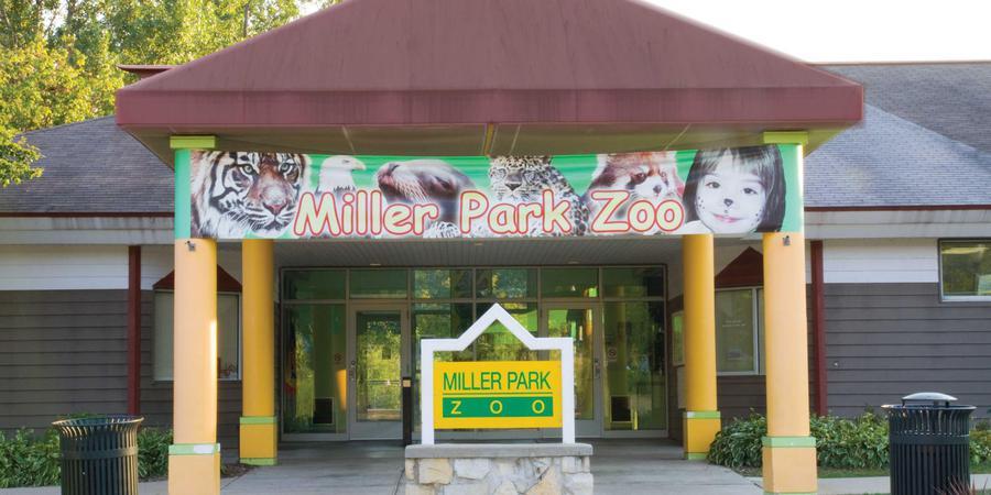 Miller Park Zoo wedding Central Illinois