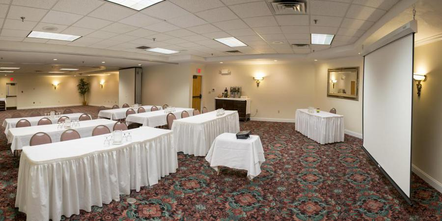Black Bear Inn Conference Center & Suites wedding Maine