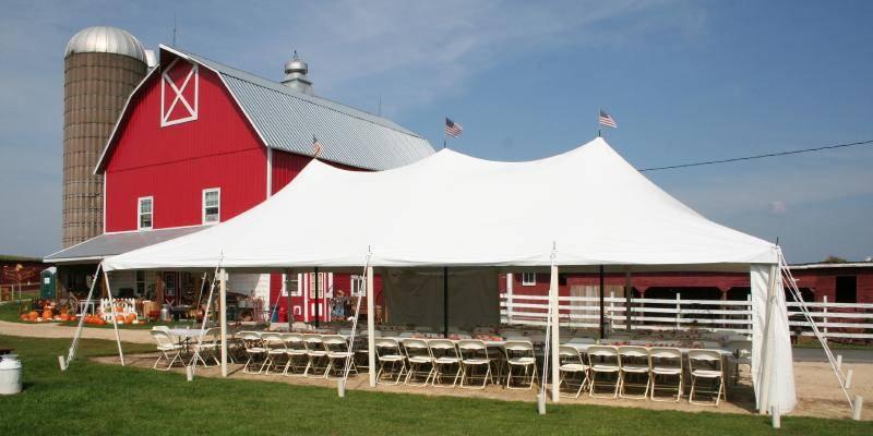 Schultz's Country Barn wedding Eau Claire