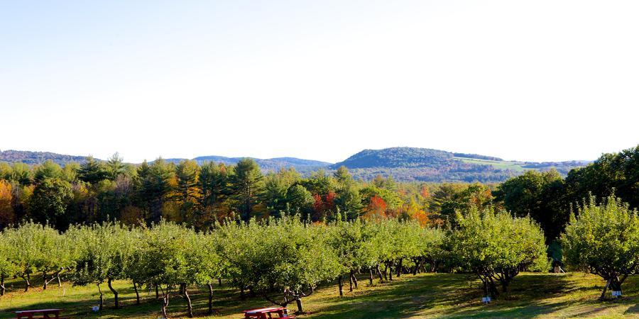 Apple Acres Farm wedding Maine