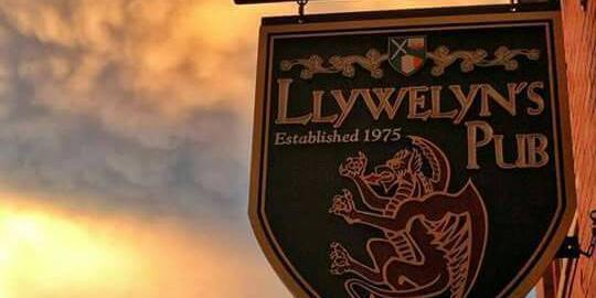 Llywelyns Pub - St. Charles wedding St. Louis