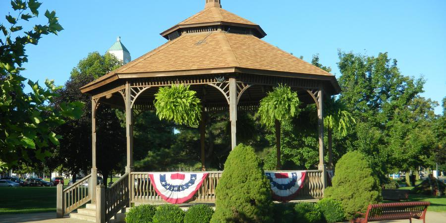 Washington Park Gazebo wedding Toledo