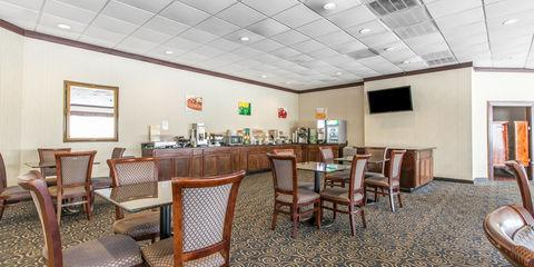 Quality Inn & Suites of Havelock wedding Outer Banks