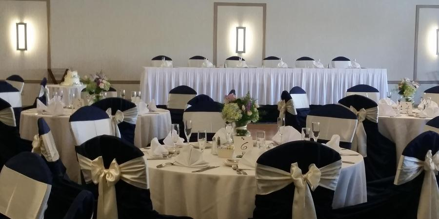 Doubletree by Hilton Pittsburgh- Monroeville Convention Center wedding Pittsburgh