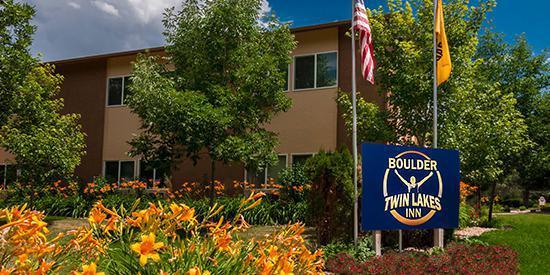 Boulder Twin Lakes Inn wedding Denver