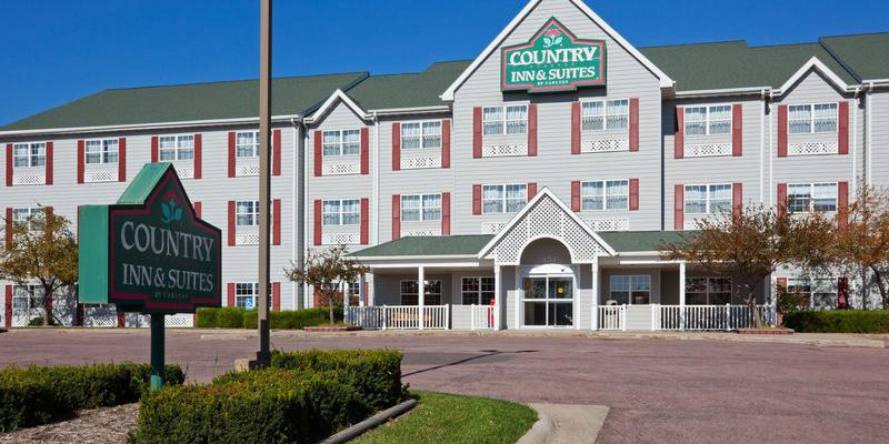 Country Inn & Suites By Carlson wedding South Dakota
