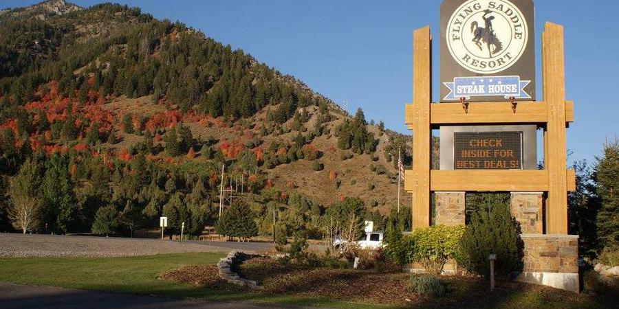 Flying Saddle Resort wedding Wyoming