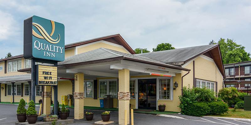 Quality Inn Skyline Drive wedding Northern Virginia