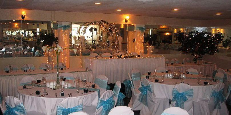 Riverhouse Banquet Center wedding Detroit