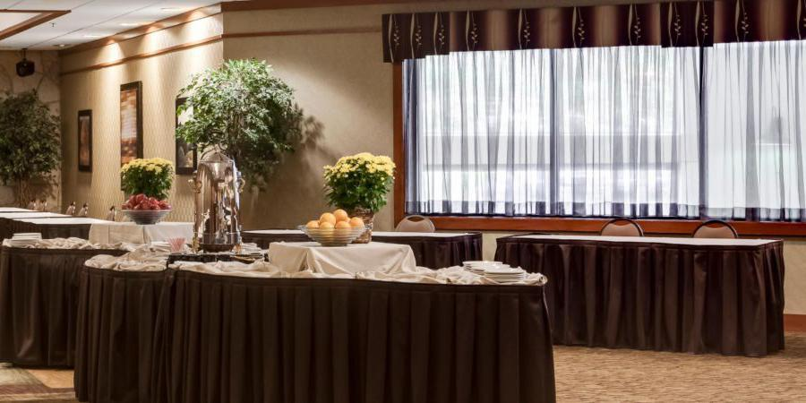Holiday Inn & Suites Northwest Des Moines wedding Des Moines