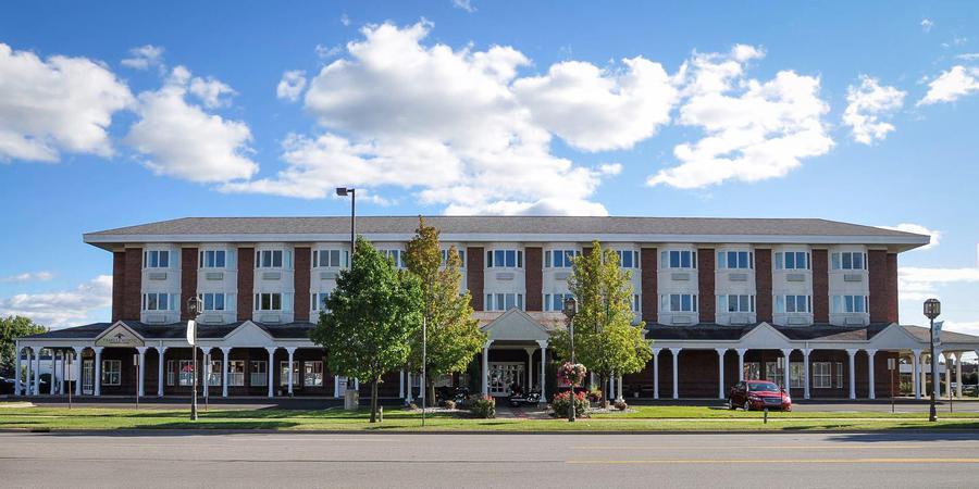 Comstock Inn & Conference Center wedding Lansing