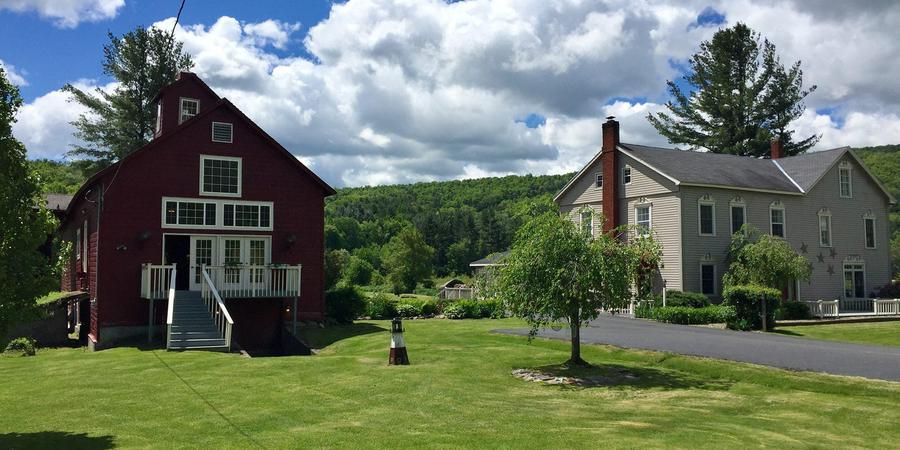 Country Suite Bed & Breakfast wedding Eastern Adirondacks/Lake Champlain
