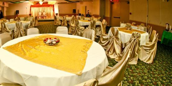 The Banquet Center at Days Inn wedding Columbus
