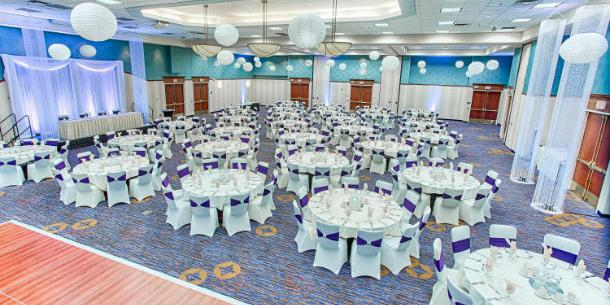Courtyard by Marriott Fargo Moorhead wedding Minnesota