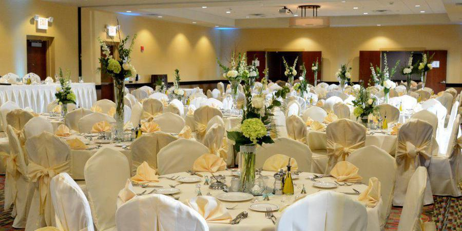 Holiday Inn Eau Claire South I94 wedding Eau Claire