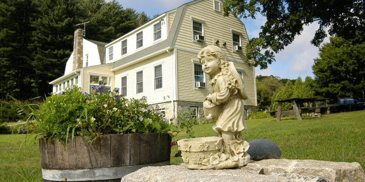 Fitch Claremont Vineyard Bed & Breakfast wedding New London