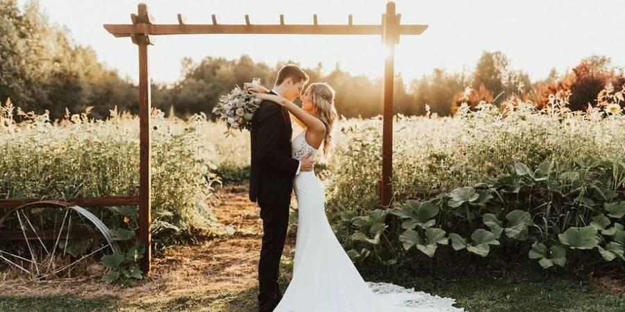 Winding Path Gardens wedding Everett