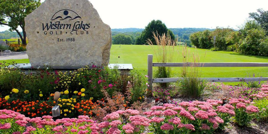 Western Lakes Golf Club by Saz's Catering Lake Country wedding Milwaukee