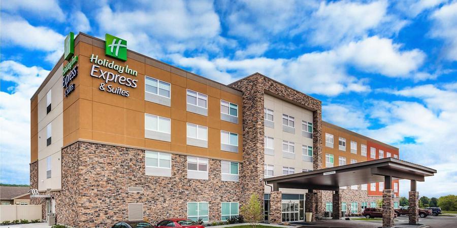 Holiday Inn Express Rice Lake wedding Eau Claire
