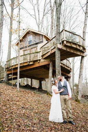 Earthjoy Treehouse Village wedding Lexington