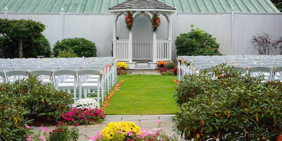 The Evergreen Pavilion at Candia Woods Golf Links wedding Merrimack