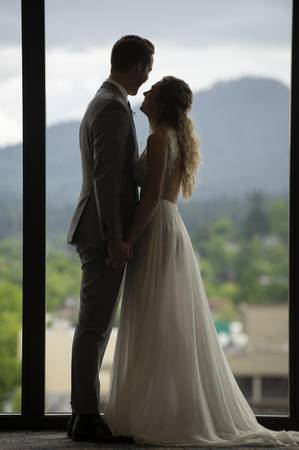Graduate Eugene wedding Willamette Valley