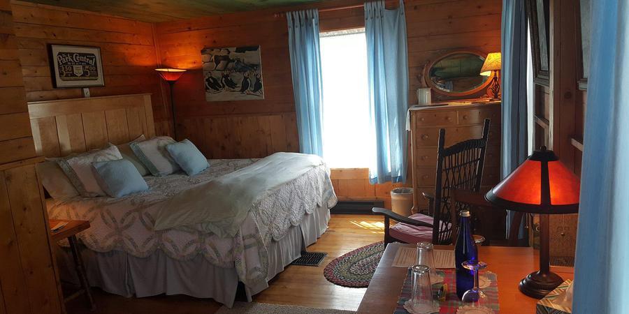 Paradox Lodge wedding Eastern Adirondacks/Lake Champlain