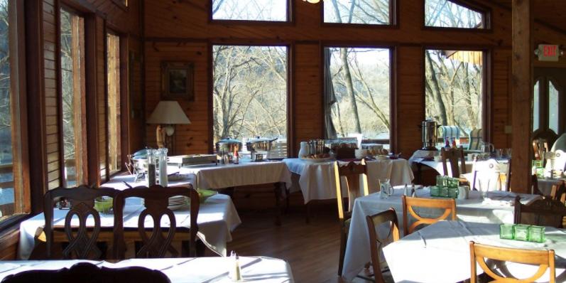 PJ's White River Lodge wedding Arkansas