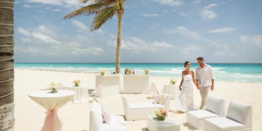 Panama Jack Resorts Cancun wedding Mexico
