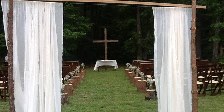 The Hollow at Paris Mountain wedding Greenville