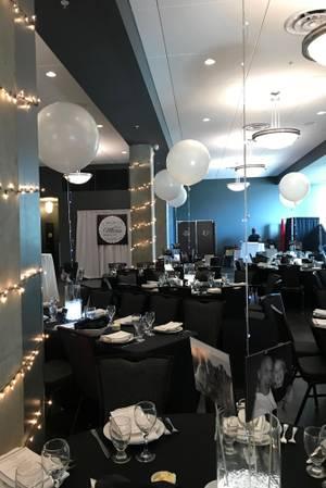 Zingerman's Greyline wedding Detroit