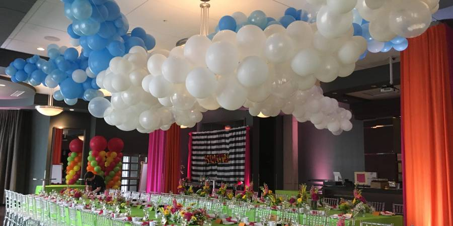 Zingerman's Greyline wedding Detroit