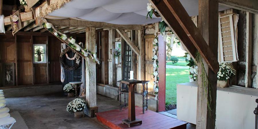 Hudson Farm wedding Central Illinois