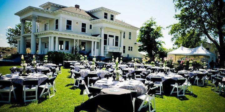 The Moore Mansion wedding Yakima